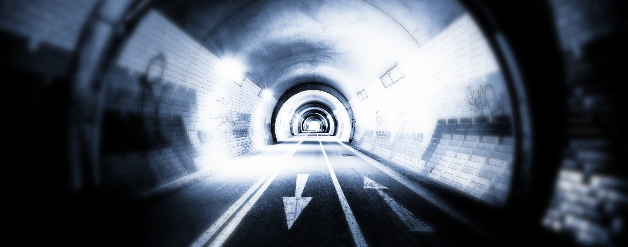 AdvisoryServices_Tunnel_Arrows-977640-edited-070673-edited.jpg