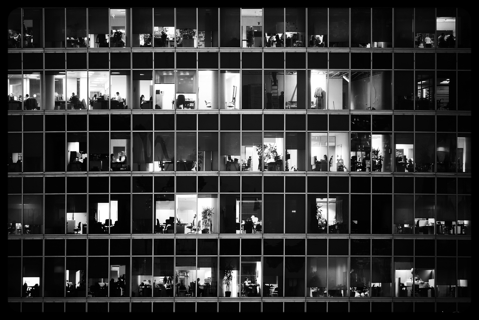 bigstock-People-Work-In-An-Offices--83218625-082978-edited.jpg